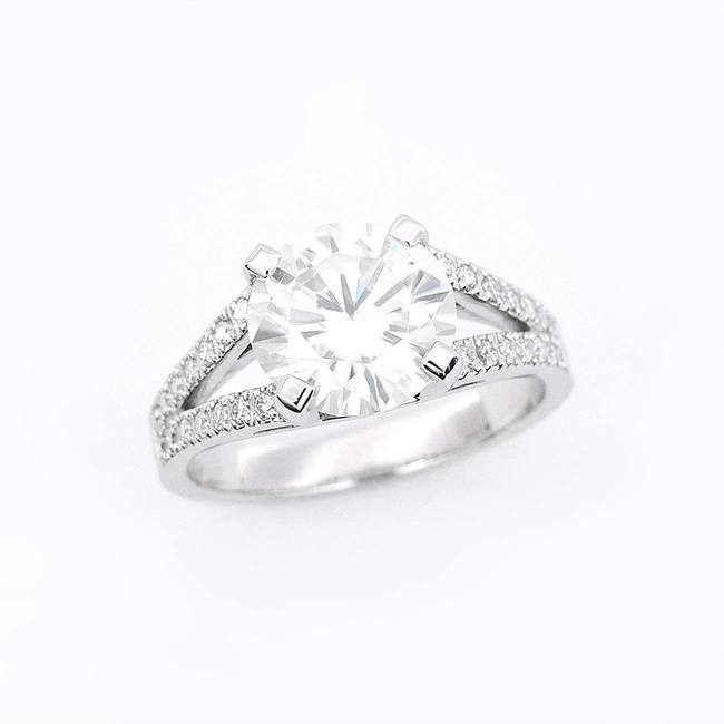 impressive engagement ring with split shank moissanite