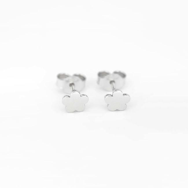Flower stud earrings white gold