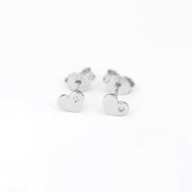 Heart stud earrings with stone white gold