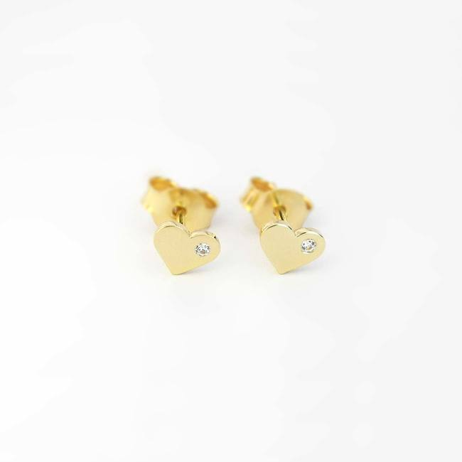 Heart stud earrings with stone yellow gold