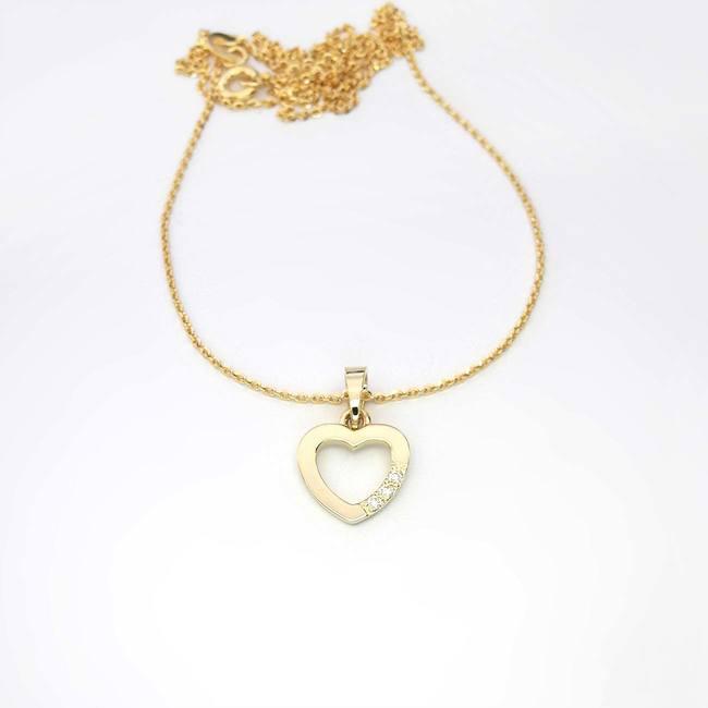 obesek srce srček s tremi diamanti zlato verižica