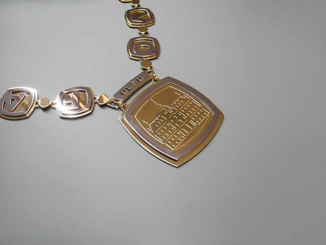 dekanska veriga glavni medaljon