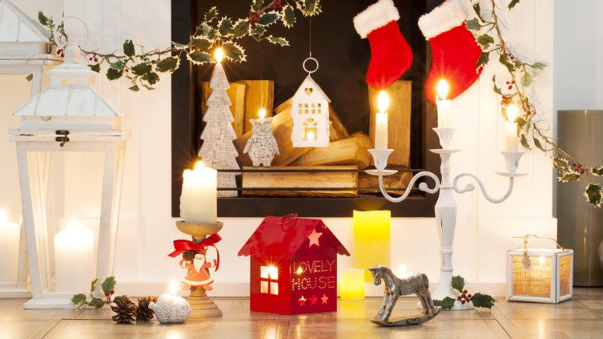 Bunte Weihnachtsdeko mit Strumpf