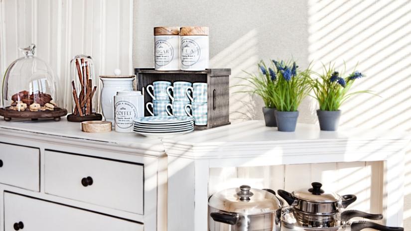 Möbel für eine Landhausküche
