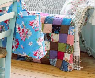 patchworkdecke ideen inspirationen bei westwing. Black Bedroom Furniture Sets. Home Design Ideas