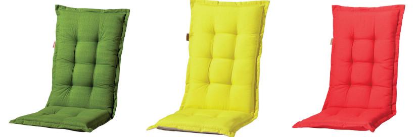Mediterranes Wohnen mit farbigen Sitzkissen
