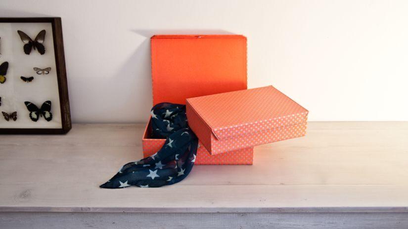 Schachteln aus Karton mit Deckel
