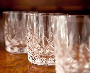 whiskygl ser mit bis zu 70 rabatt i westwing. Black Bedroom Furniture Sets. Home Design Ideas