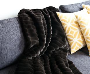decke mit rmeln zu tollen rabatten jetzt bei westwing. Black Bedroom Furniture Sets. Home Design Ideas