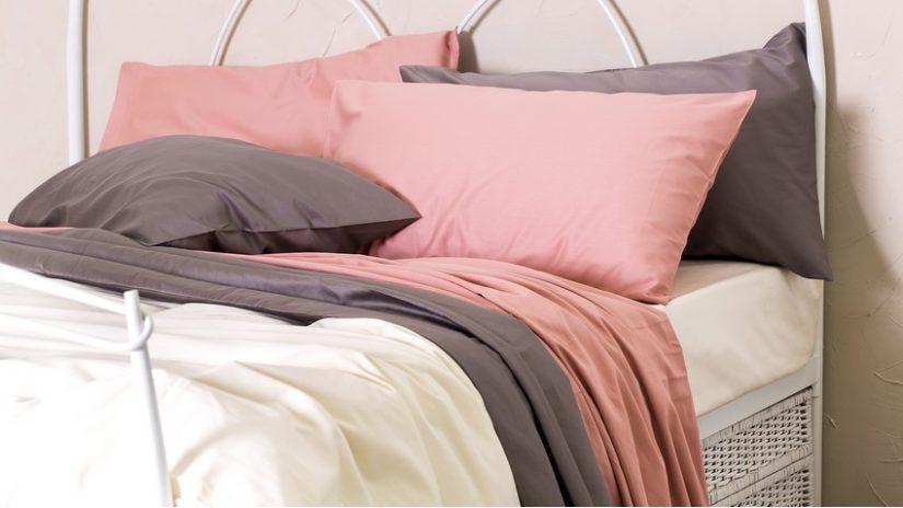 Seidenbettwäsche rosa und weiß