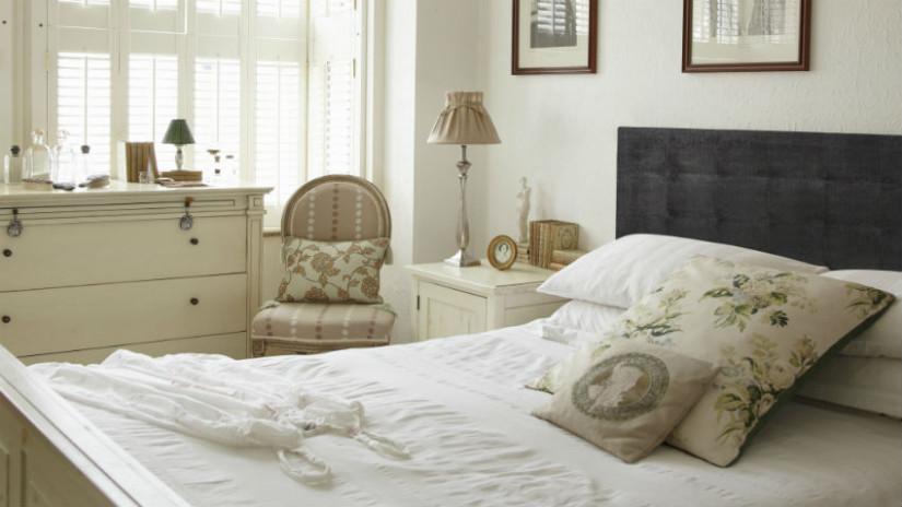 Schlafzimmer Landhausstil in Weiß