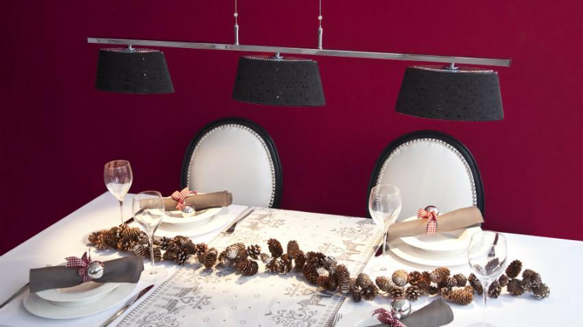 Klassische Tischdeko Weihnachten mit Servietten