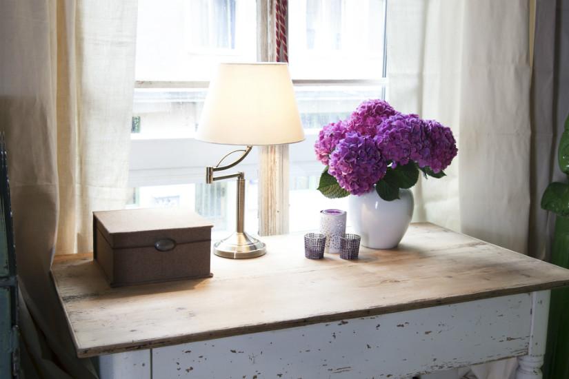 Frische Blumen und Arbeitszimmer Ideen