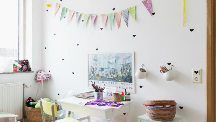 Kinderzimmer Bilder in weißem Zimmer