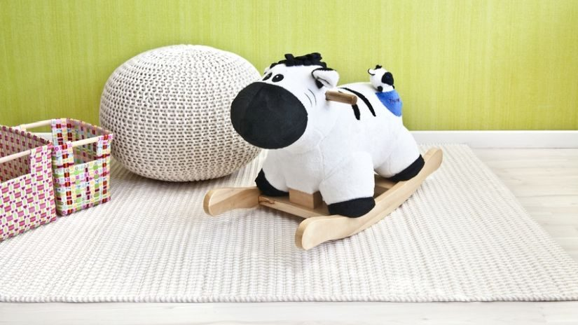 Weißer Teppich in einem Kinderzimmer