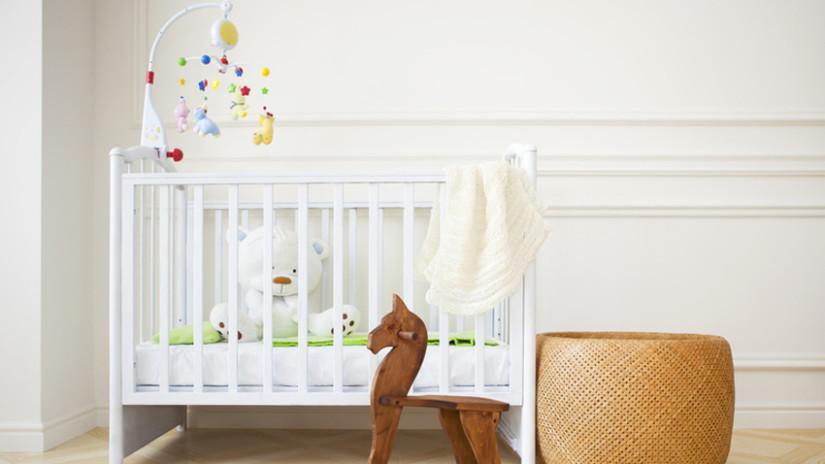 babyzimmer mädchen schlicht und weiß