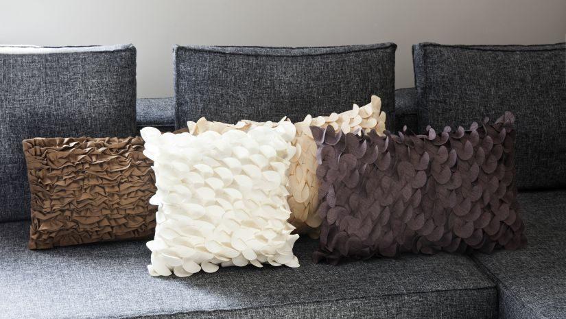 dekokissen wei tolle rabatte bis zu 70 westwing. Black Bedroom Furniture Sets. Home Design Ideas