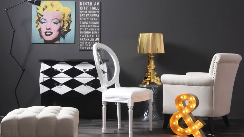 Design Stuhl weiß in Wohnzimmer