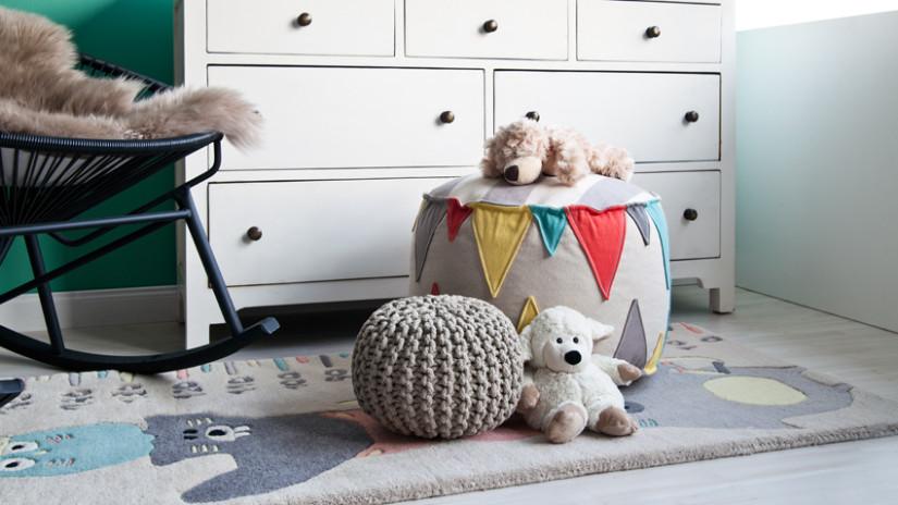 Kinderzimmer Farben mit Weißtönen und Grau