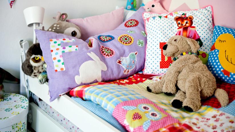 Kinderzimmer Farben für das Bett
