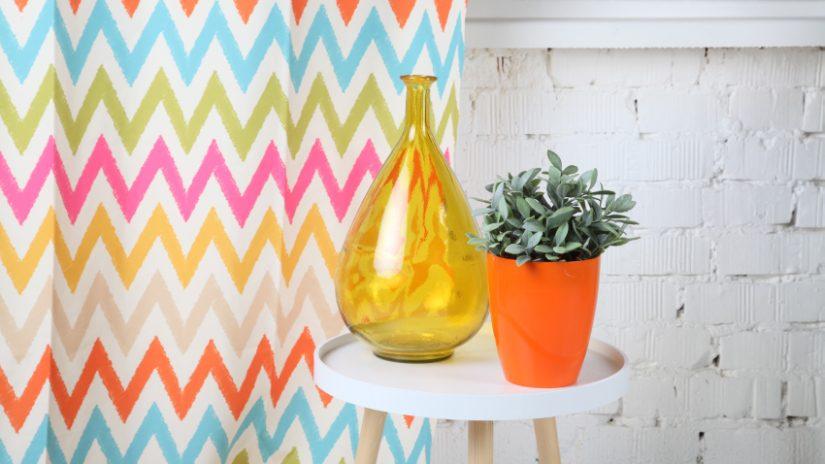 Gelbe Vase aus Glas