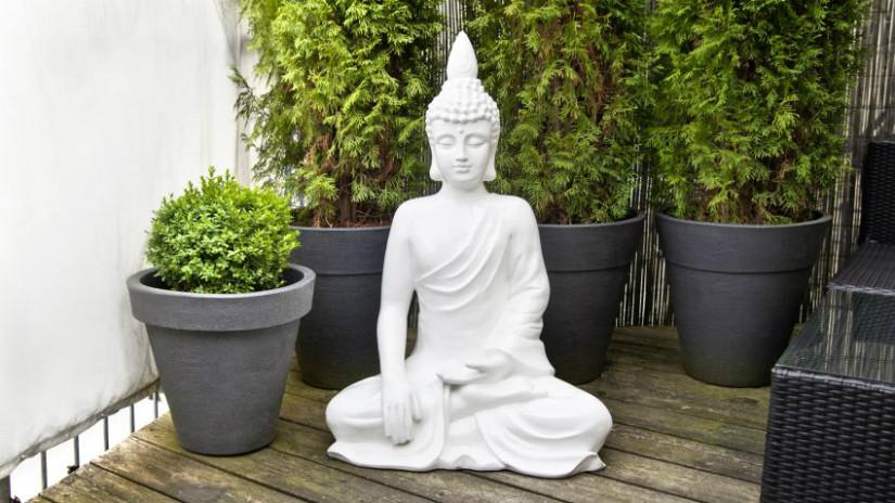 Feng Shui Garten mit Statue