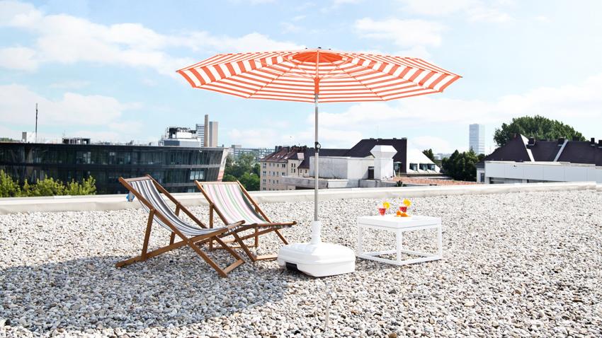 Sonnenschirm-Orange-Weiß