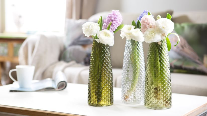 Hohe grüne Vase aus Glas