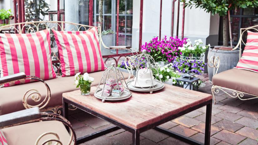 balkon lounge rot weiß