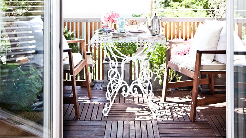 Balkonmöbel aus Holz