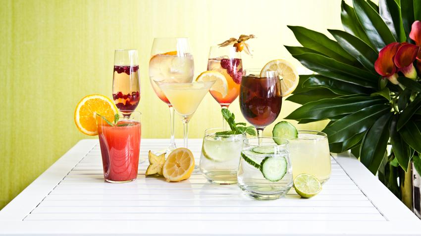 Gläser mit Früchten