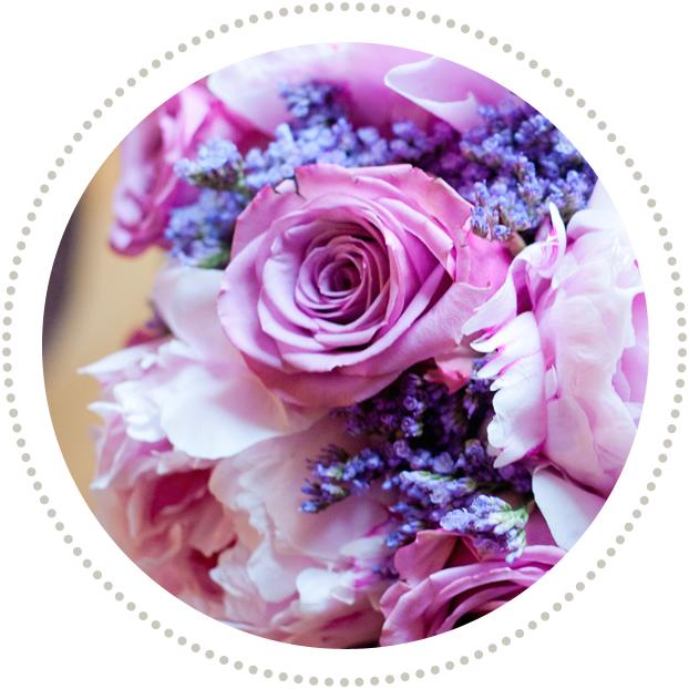 Blumen und Dekoration für die Traumhochzeit