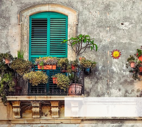balkon und terrasse mobel und deko westwing With französischer balkon mit garten holztreppe