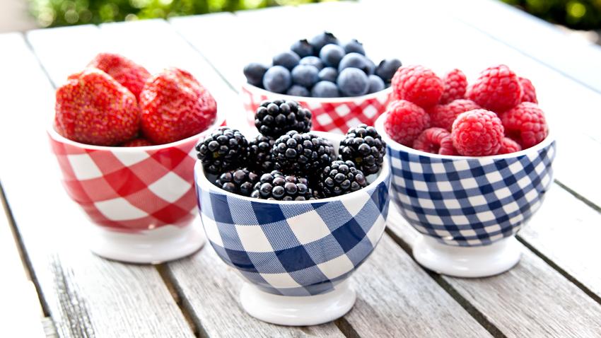 Obstschälchen mit Früchten