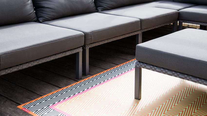 Loungemöbel mit Teppich