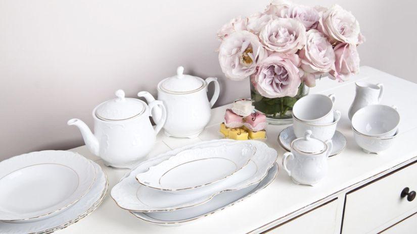 Weiße Teekannen