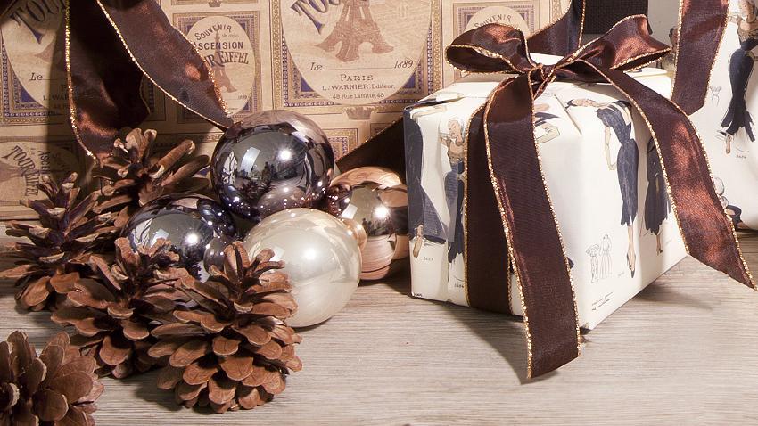 christbaumkugeln braun