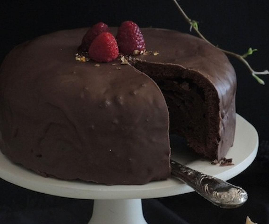 Rezept für einen Dekadenten Schokoladenkuchen mit Kokosblütenzucker
