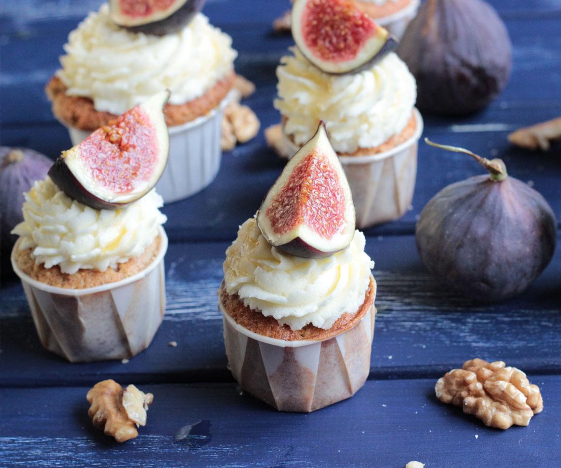 Rezept für Feigen-Walnuss-Cupcakes mit Honig-Mascarpone-Frosting