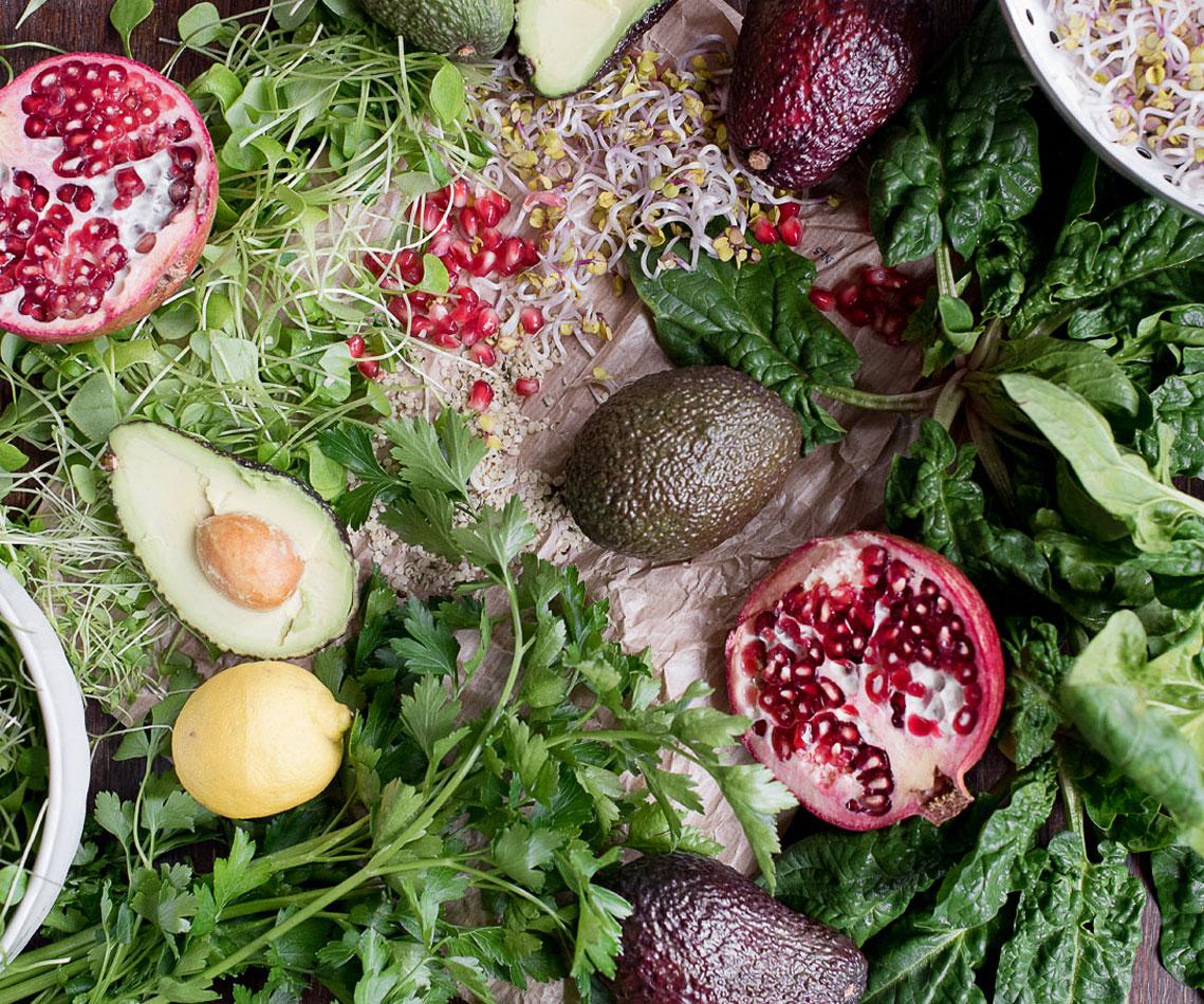 Rezept für Avocado-Spinat-Salat mit Granatapfel