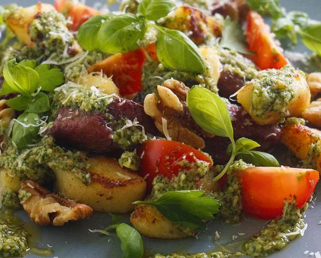 Rucola Walnuss Pesto mit Gnocchi
