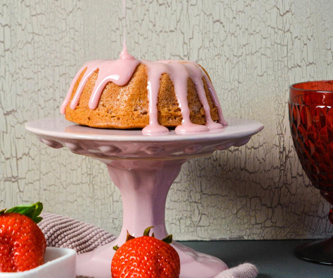 Rezept für einen Erdbeer Guglhupf