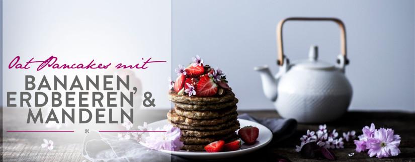 Header Oat Pancakes mit Bananen, Erdbeeren & Mandeln