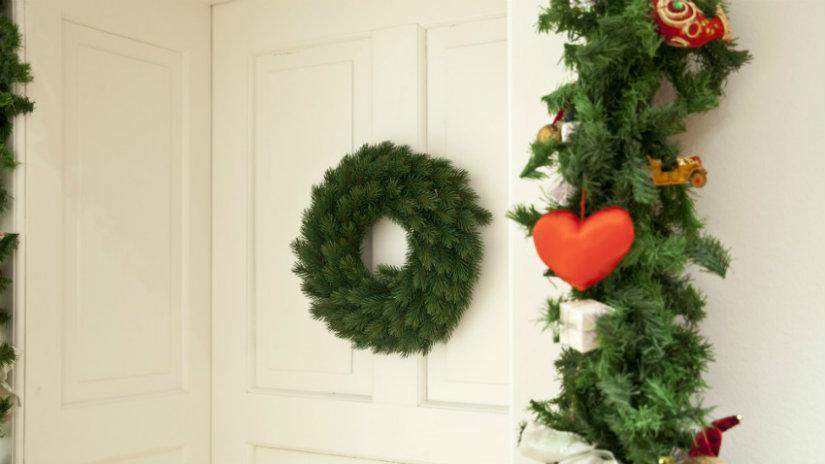 decoración navideña para la puerta
