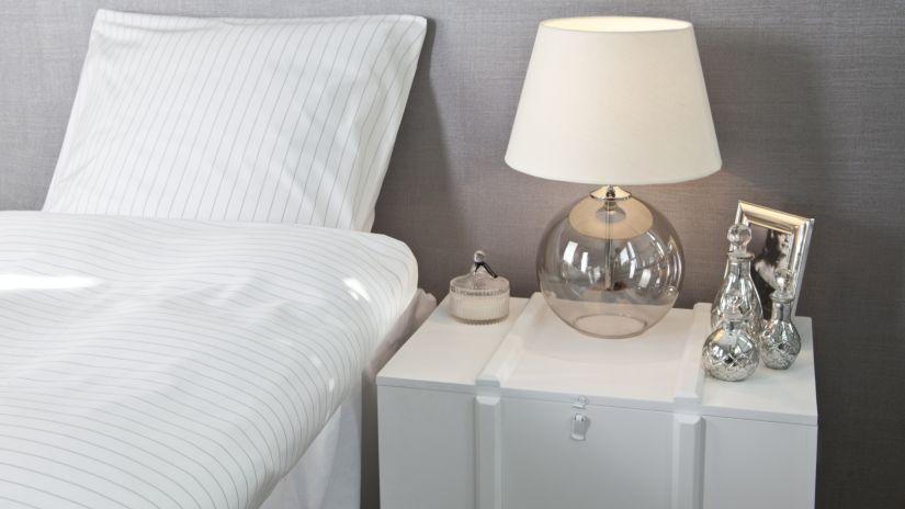 mesitas de noche un must para el dormitorio westwing. Black Bedroom Furniture Sets. Home Design Ideas