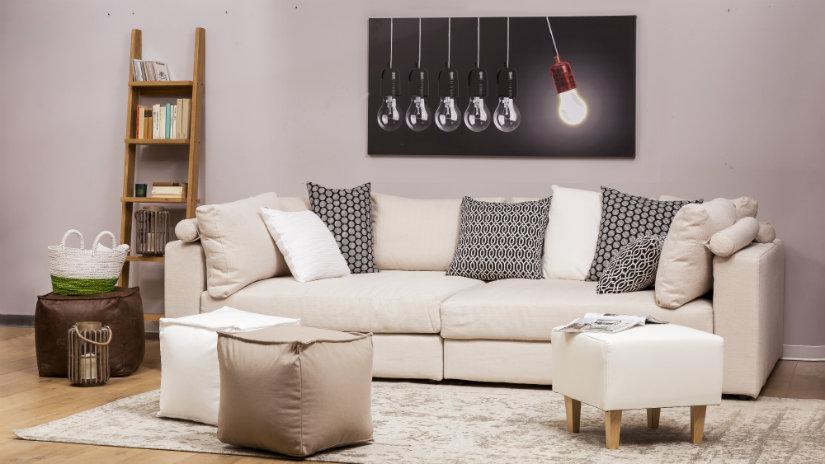 sofá clásico con decoración ecléctica