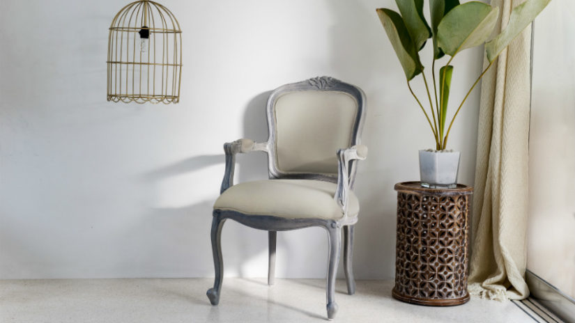 mueble colonial blanco