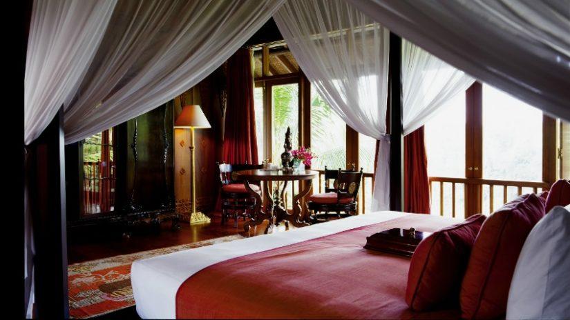 muebles coloniales en el dormitorio