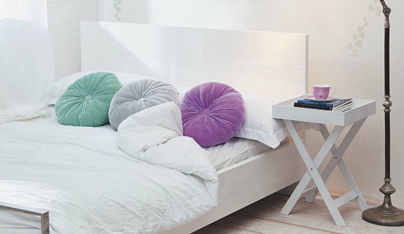 dormitorio minimalista la cama