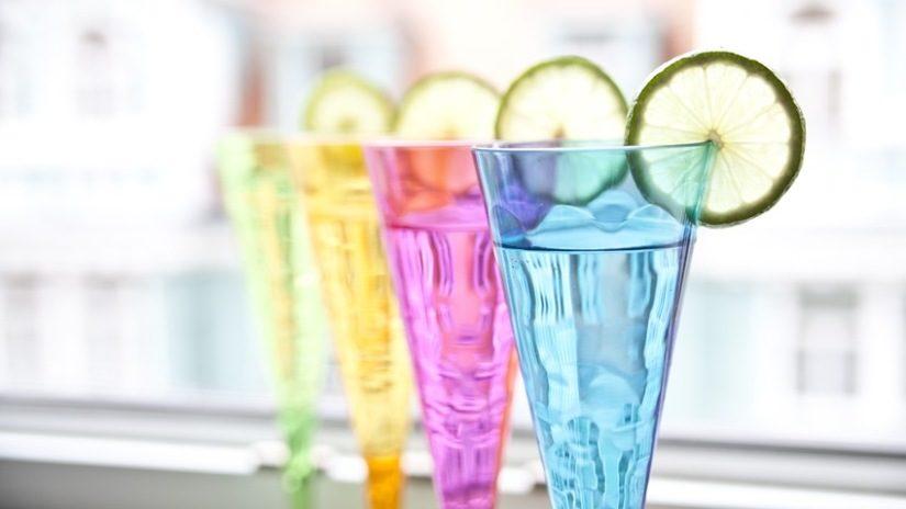 Vasos-de-plastico-de-colores